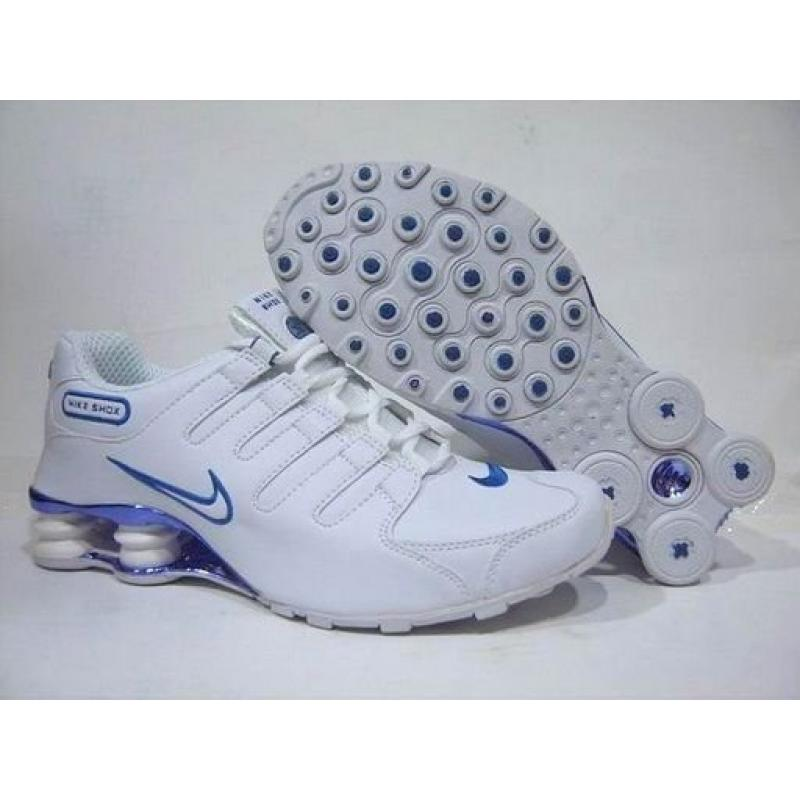 differently 382fc 4bbd6 Nike Shox NZ White Royal Blue