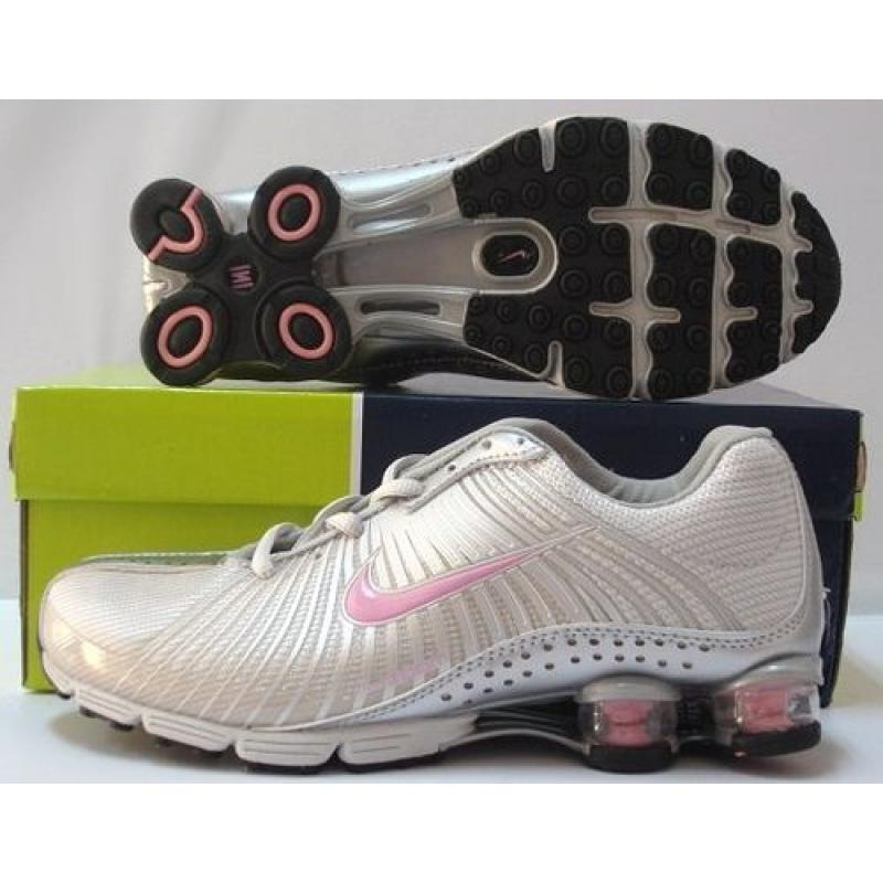 94e686345cd223 Pink And Silver Nike Shox R4
