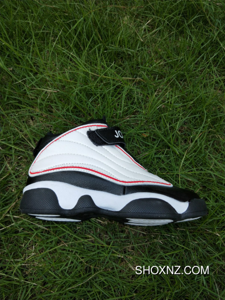 competitive price 816e1 e00a6 Jordan 13 Kids Shoes New Colorways Outlet